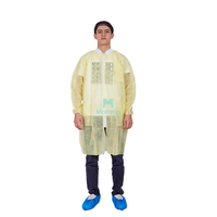 Yellow Non Woven Polypropylene Protective Waterproof Disposable Anti Static Lab Coat
